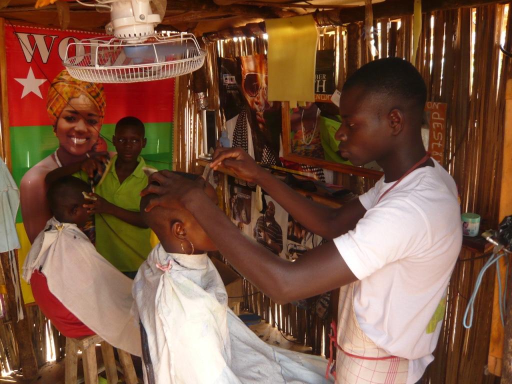 coiffeur au togo en Afrique