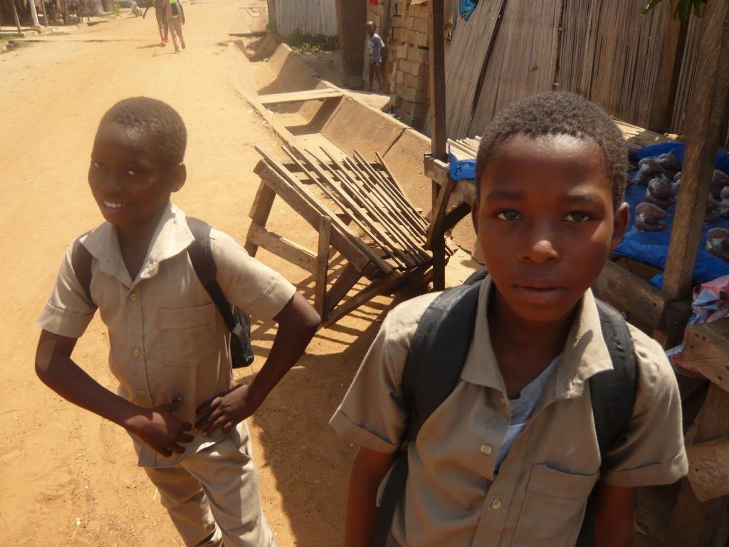 des écoliers africains